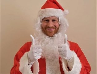 Принц Гарри превратился в Санта Клауса для видеопослания