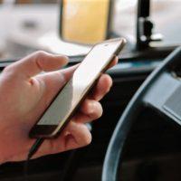 В Австралии за водителями, пользующимися мобильным за рулем, проследят камеры