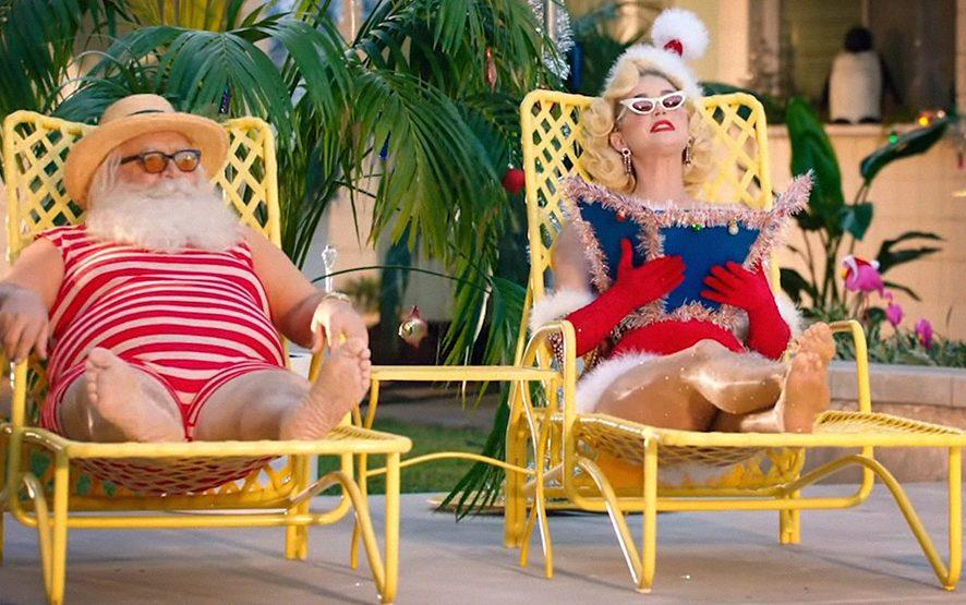 Cozy Little Christmas: Кэти Перри устроила каникулы для Санта-Клауса