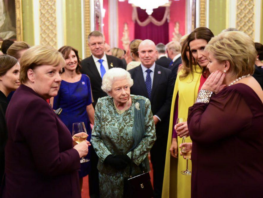 Работа мечты: Елизавета II ищет менеджера по путешествиям