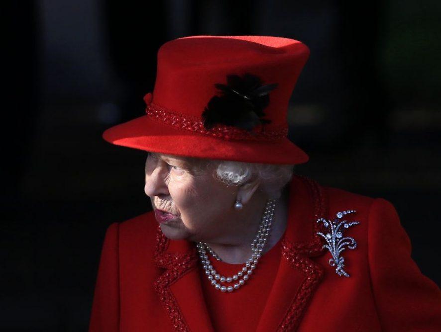 Елизавета II исключила Харви Вайнштейна из Ордена Британской империи