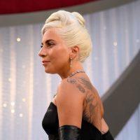 Леди Гага представила новый футуристический клип, снятый на iPhone