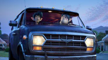 В мультфильме Disney и Pixar появится первый ЛГБТ-персонаж