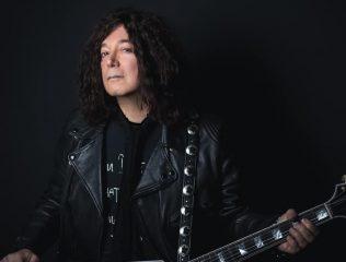 """От коронавируса умер автор хита """"I Love Rock-n-Roll"""""""