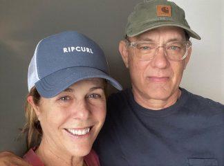 Том Хэнкс и Рита Уилсон вернулись домой в США