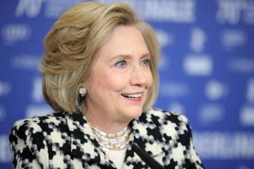 Хиллари Клинтон запустит собственный подкаст