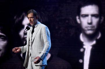 Гитарист Radiohead выпустил дебютный сольный альбом