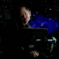 Аппарат ИВЛ Стивена Хокинга подарили британским медикам