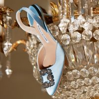Карантин пролетит незаметно: Manolo Blahnik представили онлайн-раскраску с обувью