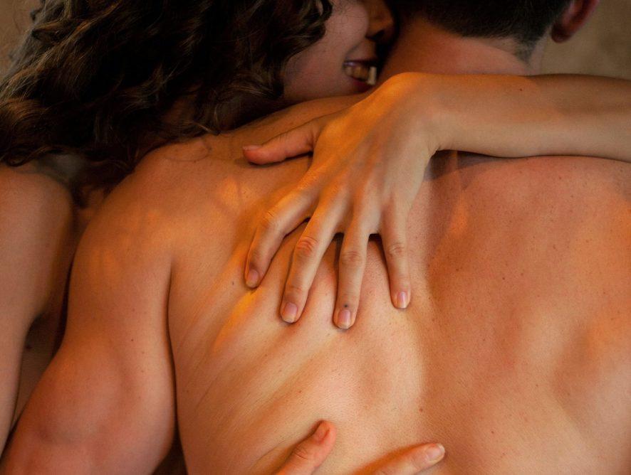 Pornhub предлагает парам создавать общий плейлист