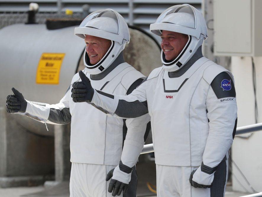 """Возвращение """"Драгона"""": американские астронавты успешно совершили посадку около Флориды"""