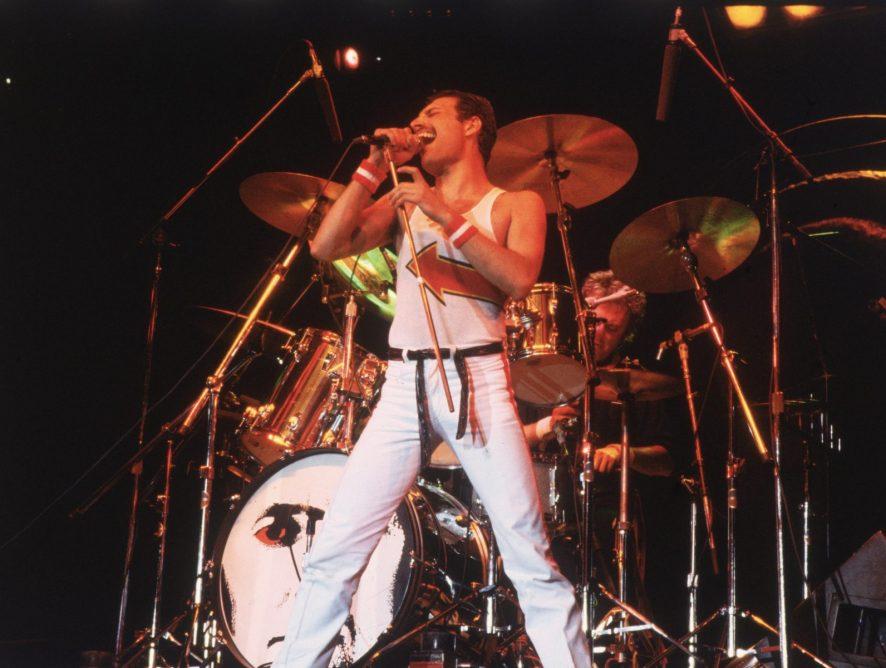 Queen запустит трансляцию концерта памяти Меркьюри