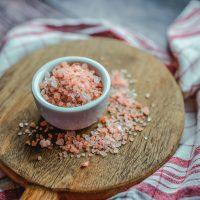 Бьюти-урок: как действует на кожу соль Эпсома