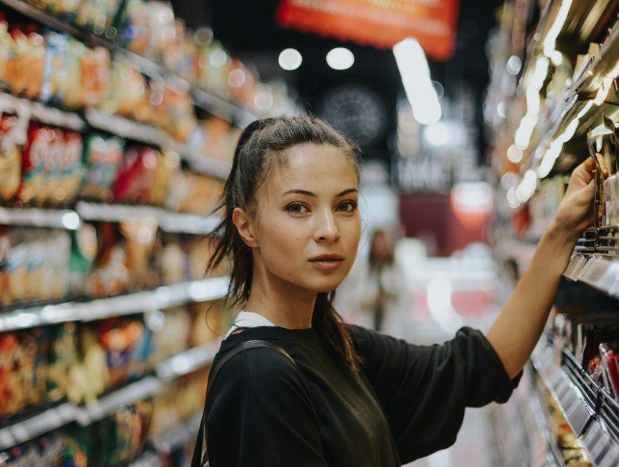 Как правильно вернуть испорченные продукты питания в магазин
