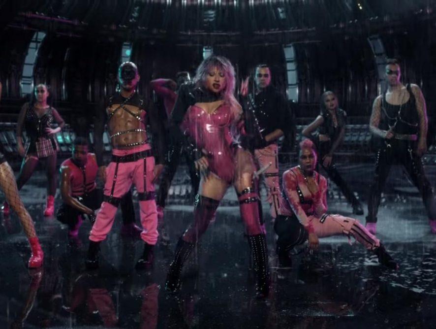 """Музыкальное комбо: Леди Гага и Арина Гранде выпустили совместный клип """"Rain on Me"""""""