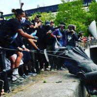 Бэнкси придумал, как вернуть статую работорговца, поваленную в Бристоле