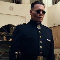 """""""В ожидании варваров"""": Роберт Паттинсон объединяется с Джонни Деппом в первом трейлере"""