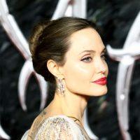 Анджелина Джоли с детьми сходила за покупками в недорогую розничную сеть