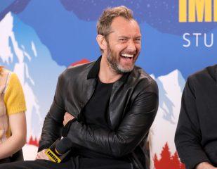 """Джуд Лоу может сыграть роль капитана Крюка в римейке """"Питера Пэна"""""""