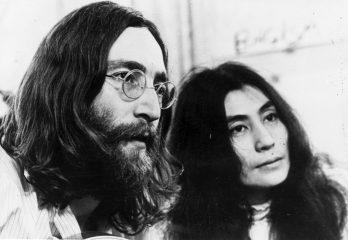Убийца Джона Леннона спустя сорок лет извинился перед вдовой музыканта