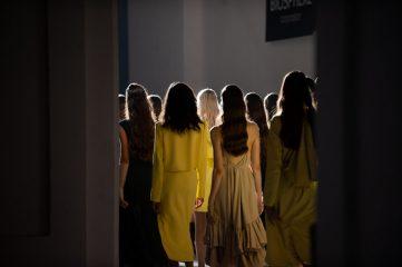 Воланы, шелк и аппликация: бренд ARUTIUNOVA презентовал коллекцию весна/лето-2021