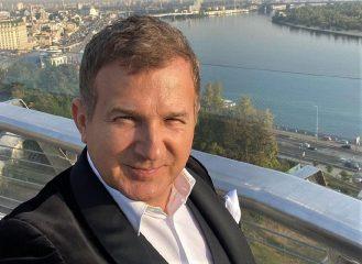 """Меньше """"я"""": Юрий Горбунов поделился секретом крепких отношений с Катей Осадчей"""