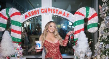 Королева Рождества: опубликовали трейлер рождественского концерта Мэрайи Кэри