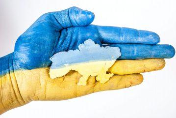 Мовний закон: вУкраїні відтепер повинні обслуговувати лише українською