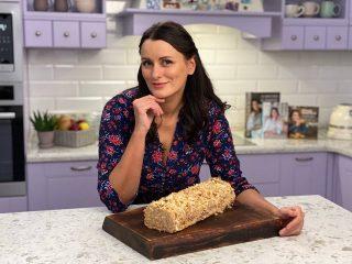 """Кондитер Єлизавета Глінська поділилася простим рецептом торта """"Поліно"""""""