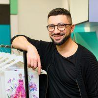 Ильяс Сахтара рассказал, как одевают ведущих на телевидении