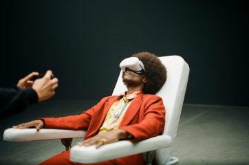 Ретро і футуризм: TVORCHI випустили кліп з віртуальною реальністю
