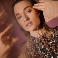 """""""Танцуй меня"""": Diana Gloster презентувала літній сингл"""