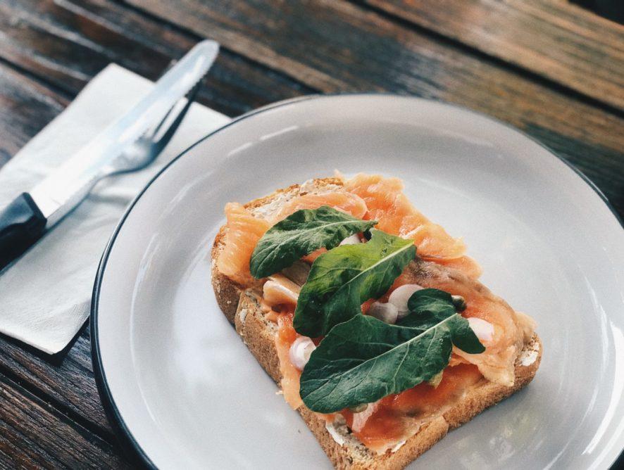 """Рецепт рибного сніданку від сушефа """"Пекельної кухні"""""""