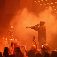 Кардаш'ян-наречена і будинок у вогні: Каньє Вест презентував новий альбом у Чикаго