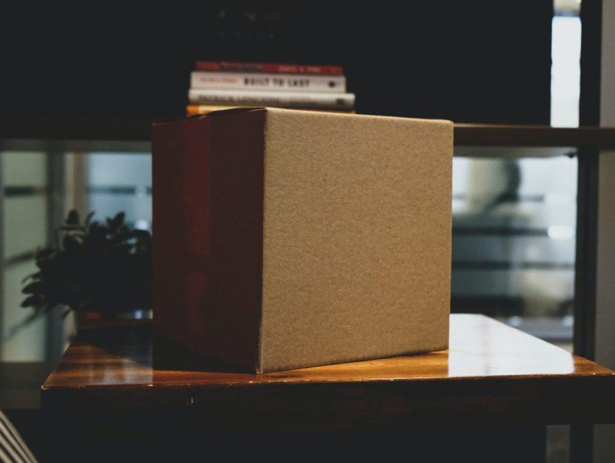 Юрист пояснив, як відшкодувати гроші за зіпсовану поштою посилку