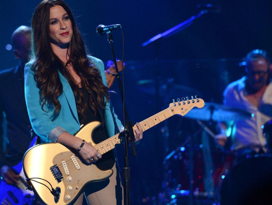 Співачка Аланіс Моріссетт зізналася, що в 15 років її зґвалтували кілька чоловіків