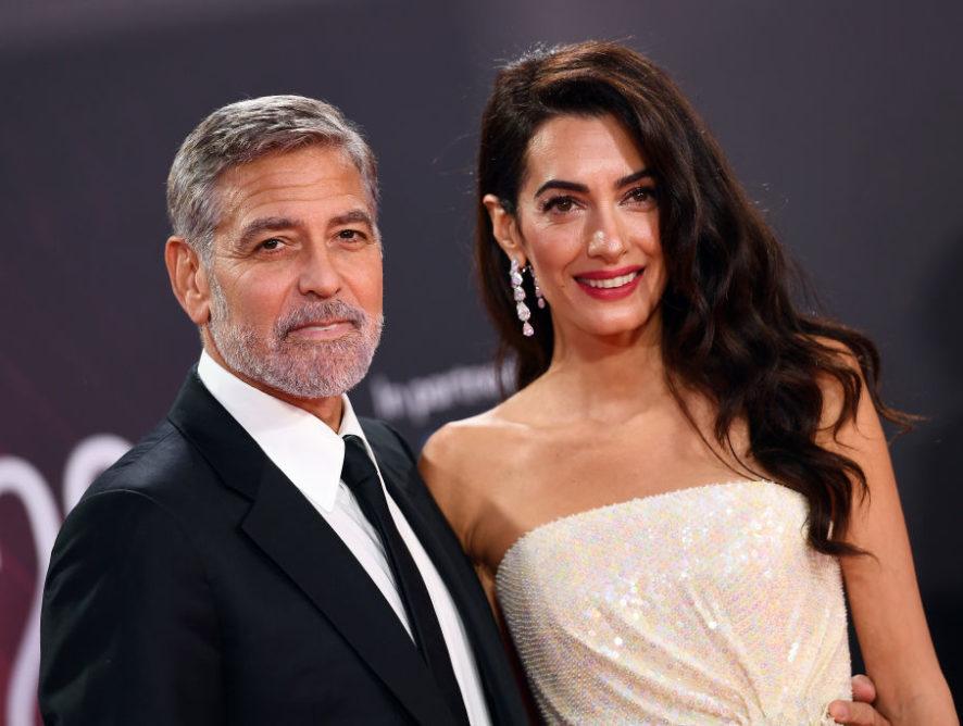 Діва золотої епохи Голлівуду: Амаль Клуні викликала фурор платтям, усипаним паєтками
