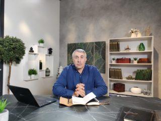 Доктор Комаровський пояснив, чи можна давати дітям фруктові соки