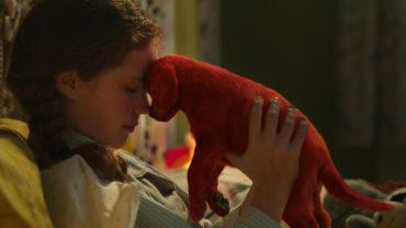 """Вийшов новий трейлер сімейного фільму """"Великий червоний пес Кліффорд"""""""